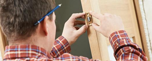 Montaż zamków drzwi mieszkań